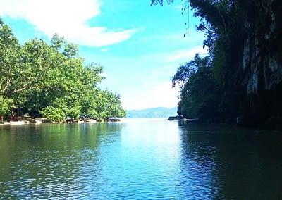 Dein Enfahrt zum Underground River Sabang